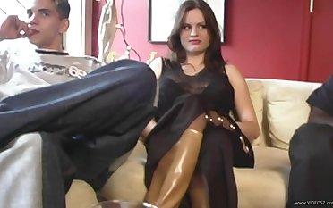 Busty brunette floosie in stockings Dp-ed in interracial Mmf threesome