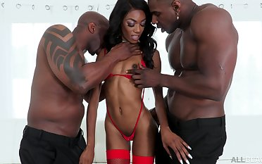 Skinny ebony in a duo of a considerate threesome with two thugs