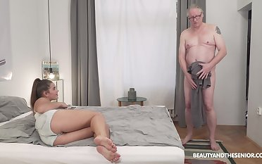 Homemade video of an elder man fucking chubby Serina Gomez