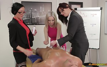 Naughty floozy Chantelle Violently with an increment of her friends use one learn of for fun