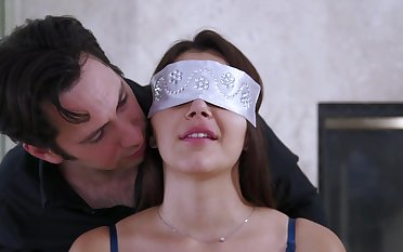Deepthroat and heavy duty sex for a naked wife on fire