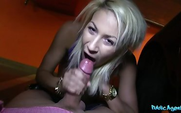 Bubble Butt Blondie Gives Homeric Blowjob To Two Lucky Strangers