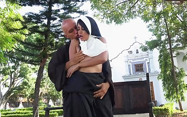 Sexy nun Yudi Pineda gives come into possession of desire on sacred ground