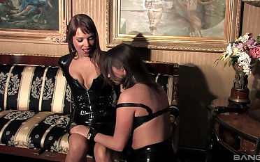 Kinky lesbian sex between slutty Nika Noire increased by Louisa Lanewood