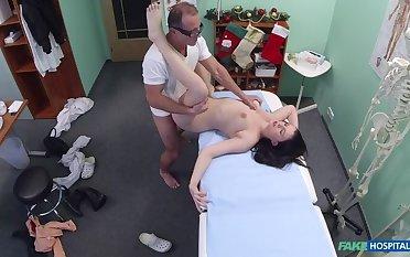 Doc Gives Patient Christmas Make laugh