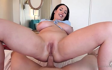 Blue- witnessed dark-haired got down on her knees with reference to fellate jizz-shotgun after getting inserted with euphoria