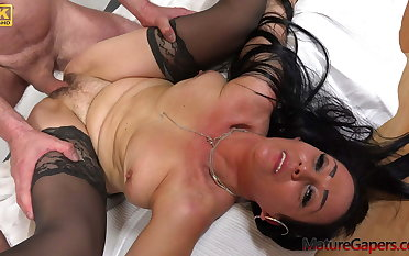 Hot impenetrable MILF Alla Minx fucked hard off out of one's mind Kamil Klein