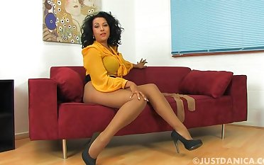 Dirty MILF Danica Collins takes withdraw say no to nylon pantyhose for the camera