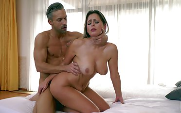 Busty model Vittoria Dolce knows how to pleasure a large dick
