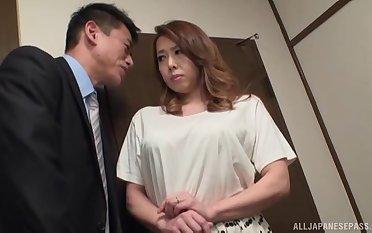 Naughty neighbor's wife Yumi Kazama drops on her knees to give acid-head