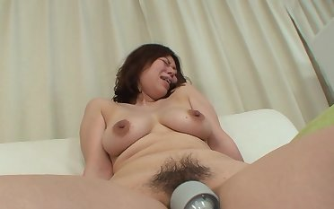 Untrained making out in missionary with Japanese mature Haruko Ogura