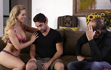 Deepthroat leads concerning passionate fucking with Cherie Deville - cuckold