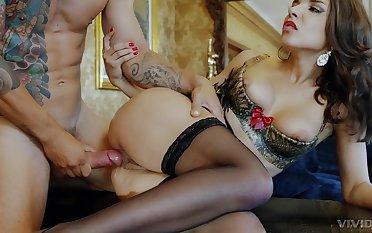 Elegant fuck lady works cock in smashing modes