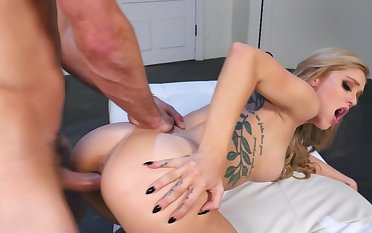 Hard sex leads perfect blonde to amazing orgasms