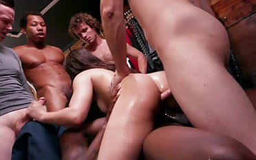 Wild anal experience in gangbang for Kimber Woods