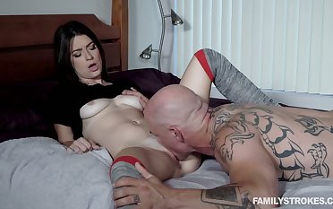 Bald tattooed stud cannot help but eating wet pussy be beneficial to Kenzie Taylor