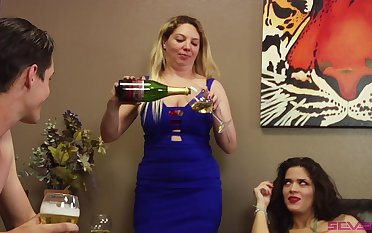 threesome with Victoria Voxxx is something that Harry wants to agree to bear