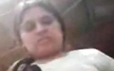 higab aunty fucked while washing