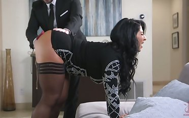 Standing on knees curvy whore with breast thraldom Raven Hart gives BJ